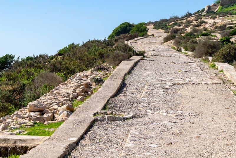 La route menant aux ruines d'Oufella Kasbah, Agadir, Maroc, Afrique image stock