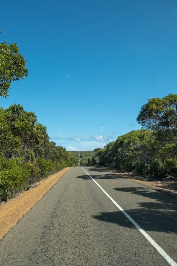 La route va par elle ?le de kangourou, Australie du sud image stock