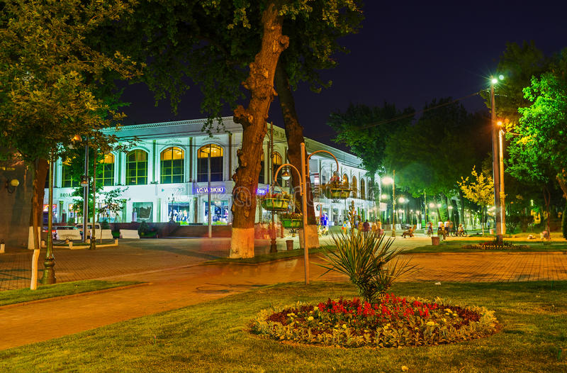La rue d'achats de Tashkent images stock