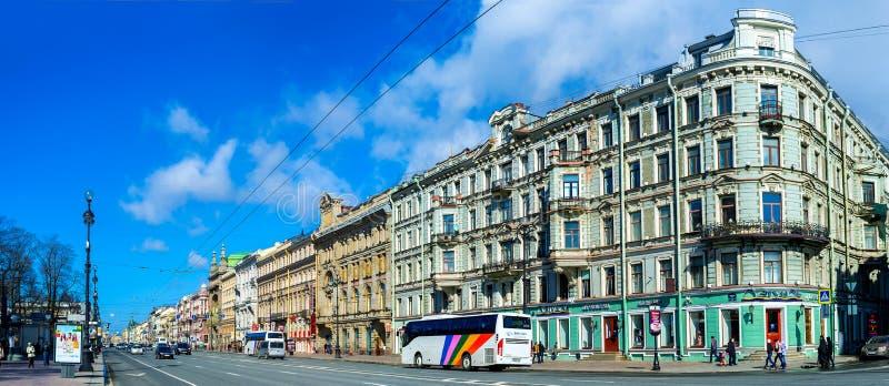 La rue principale de ville images libres de droits