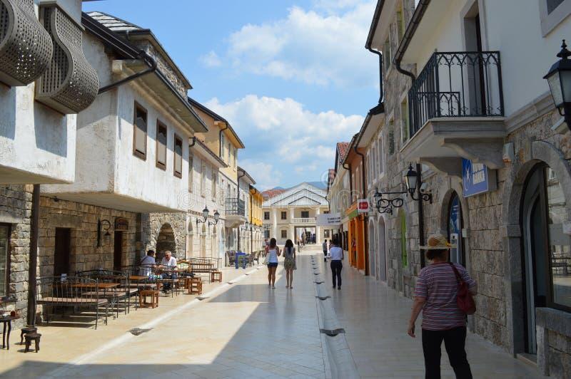 La rue principale en ville Andric photographie stock libre de droits