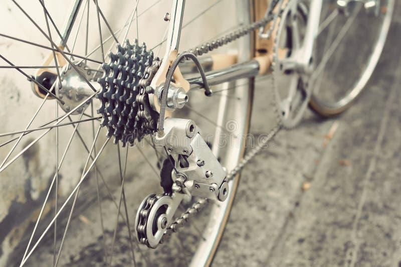 La rueda posterior de la bicicleta imagenes de archivo