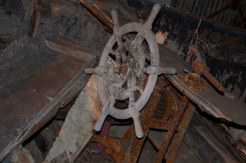 La ruota di vecchia nave fotografia stock