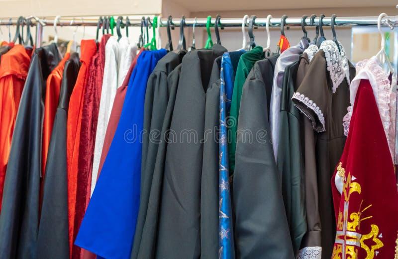 La Russia, Kazan - 25 maggio 2019 affitti i costumi di carnevale immagine stock