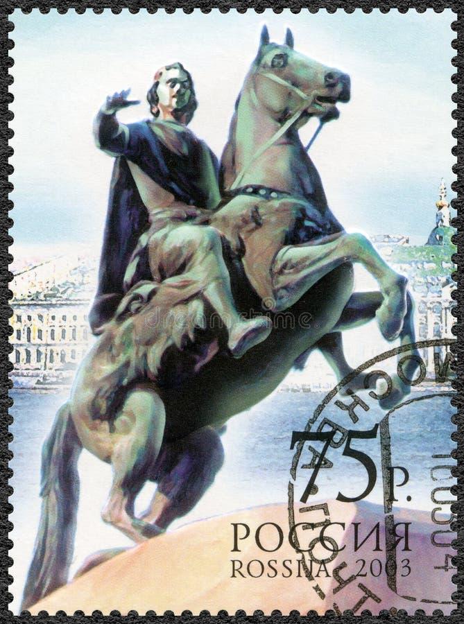 La RUSSIA - 2003: mostra il cavallerizzo bronzeo, 300th anniversario dell'anniversario di S300th di StPetersburg fotografia stock