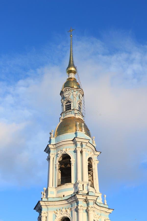 La Russia, St Petersburg, il campanile della st Nicholas Epiphany Cathedral immagini stock