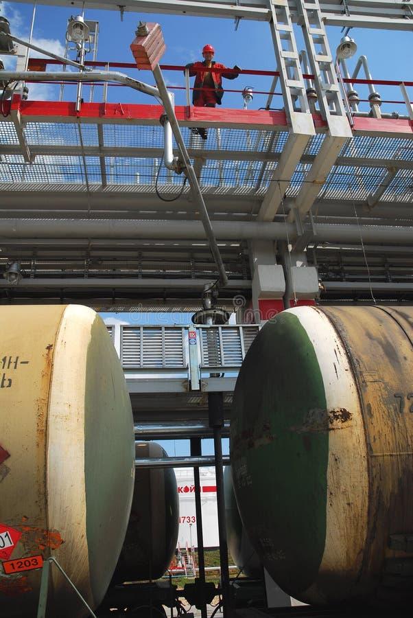 La Russie. Chemin de fer d'armoire de charge de pétrole image stock