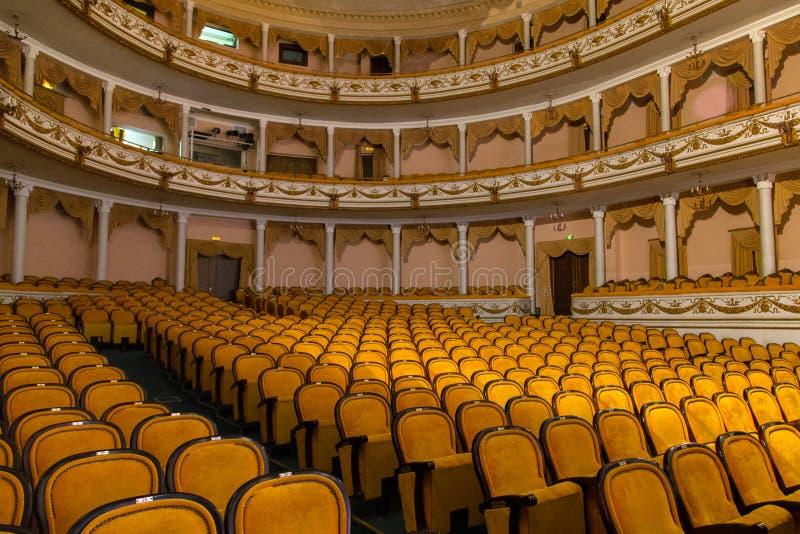 LA RUSSIE, KALININGRAD - 8 DÉCEMBRE 2015 : Les intérieurs du théâtre régional de drame de Kaliningrad photos libres de droits