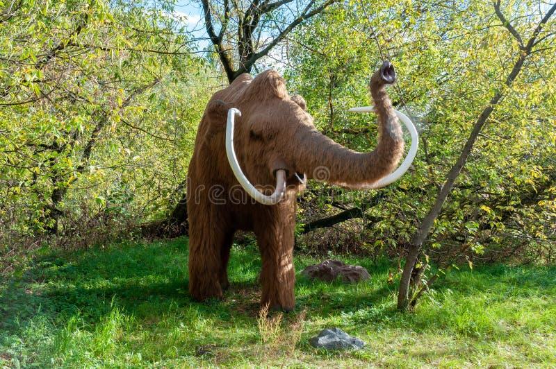 La Russie, Moscou - 29 septembre 2018 : Mammouth grandeur nature énorme photos libres de droits