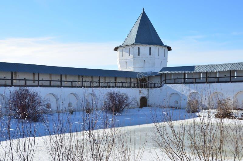 La Russie, tour défensive de monastère antique de Spaso-Prilutsky dans Vologda photo stock