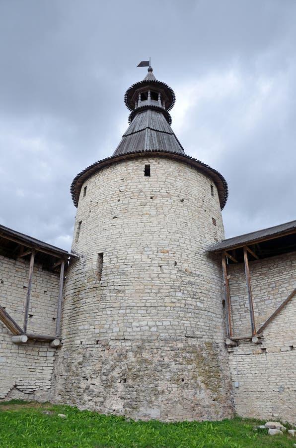 La Russie, tour défensive de Pskov antique Kremlin images stock