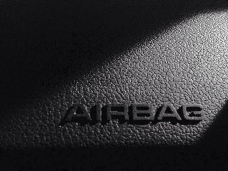 La sécurité dans la voiture garantit l'airbag photo stock