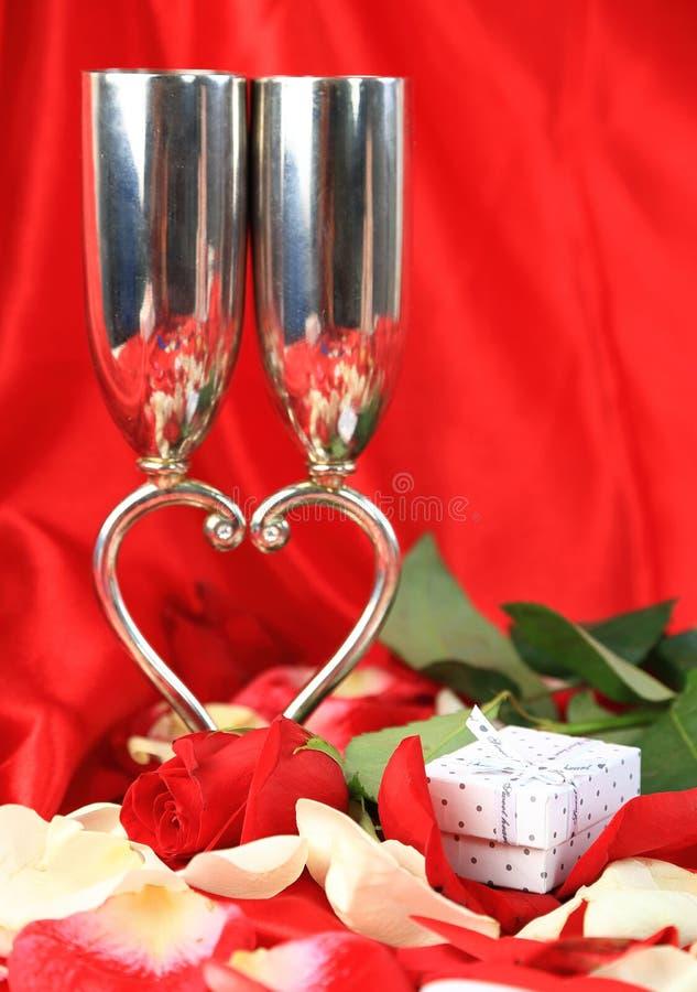 La Saint-Valentin romantique a monté image stock