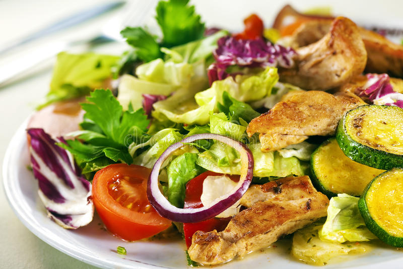 La salade avec chiken photo stock