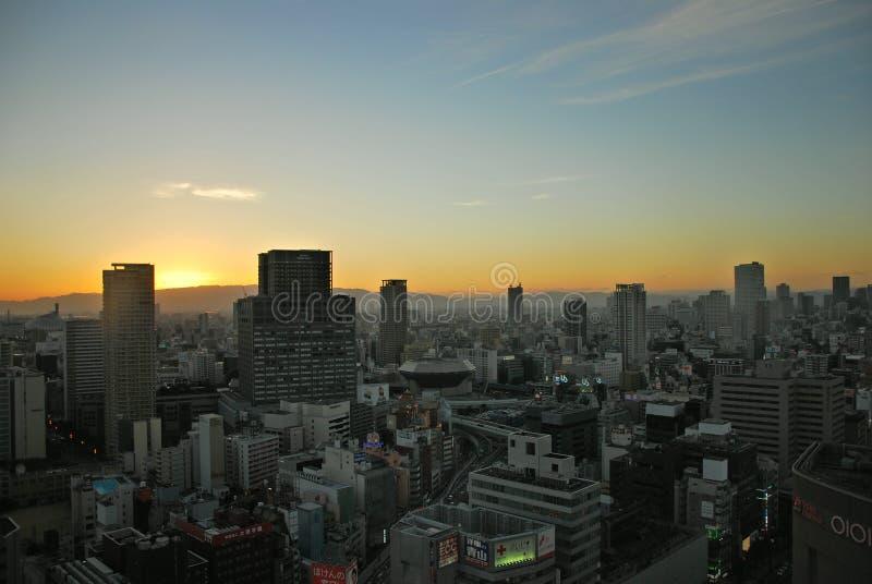 La salida del sol del paisaje urbano de Osaka fotos de archivo