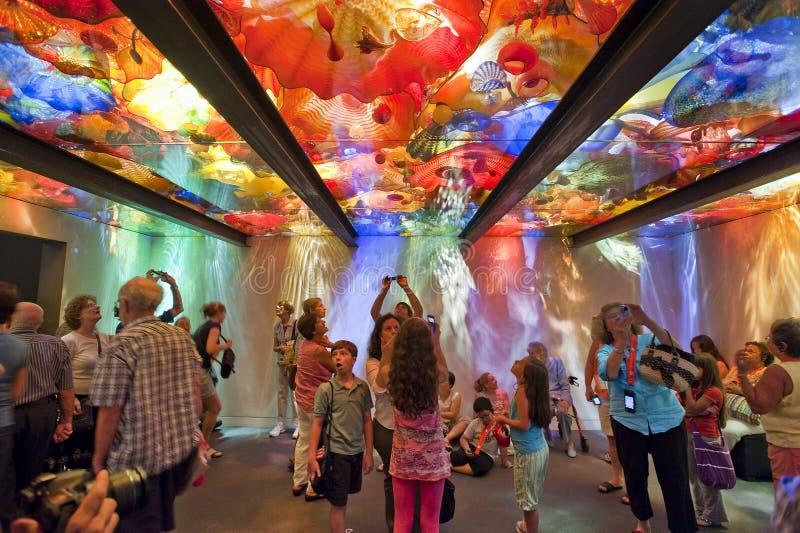 La salle en verre de plafond de Chihuly photographie stock libre de droits