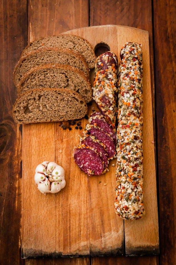 La salsiccia ha cucinato la salsiccia affumicata, immagine stock
