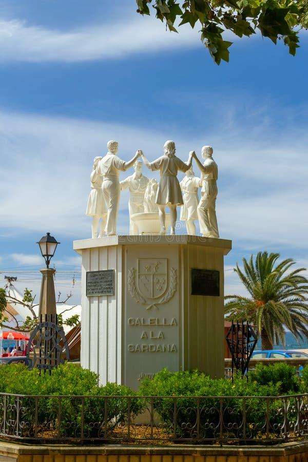 La Sardana del monumento a a Calella fotografie stock