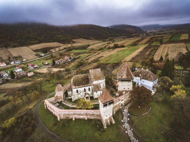 La saxon d'Alma Vii a enrichi l'église en Transylvanie, Roumanie photos stock