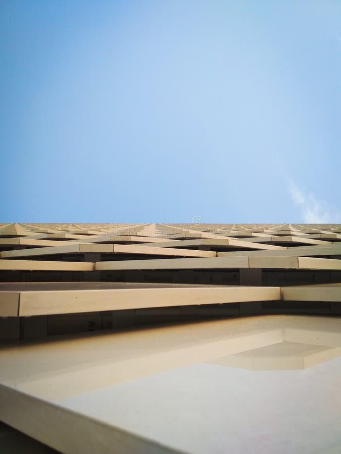 La scala al cielo blu fotografie stock libere da diritti