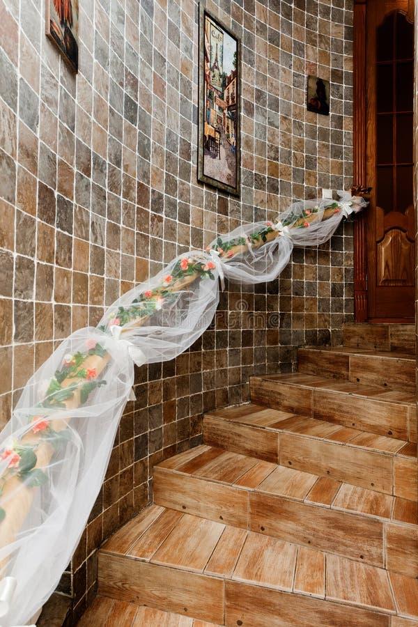 La scala decorativa fiorisce le mattonelle di legno delle - Scala decorativa ...