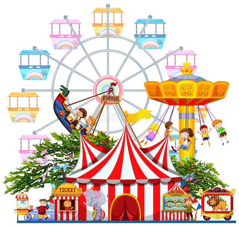 La scena del parco di divertimenti con molti guida royalty illustrazione gratis