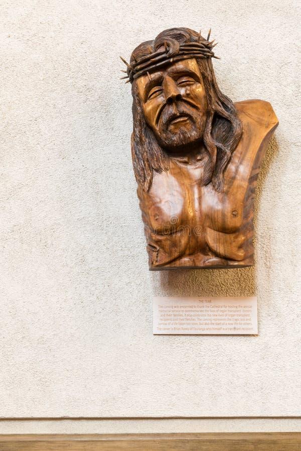 La sculpture en woode de larme dans la cathédrale de trinité sainte, Auckland photo stock