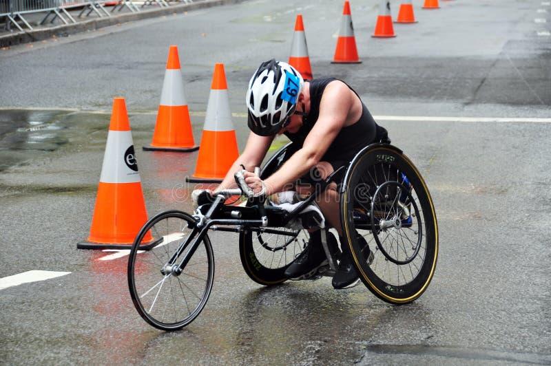 La sedia a rotelle che corre nel Nuovo Galles del Sud è uno stato sulla costa Est dell'Australia fotografia stock