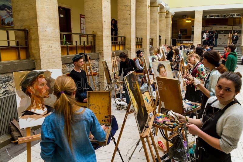 La segunda plata totalmente ucraniana E de la competencia de la pintura del ` de los estudiantes fotos de archivo