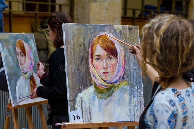 La segunda plata totalmente ucraniana E de la competencia de la pintura del ` de los estudiantes imágenes de archivo libres de regalías
