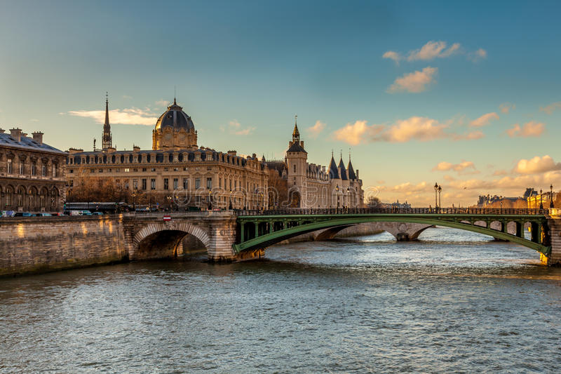 la seine in paris stockfoto bild von himmel paris. Black Bedroom Furniture Sets. Home Design Ideas