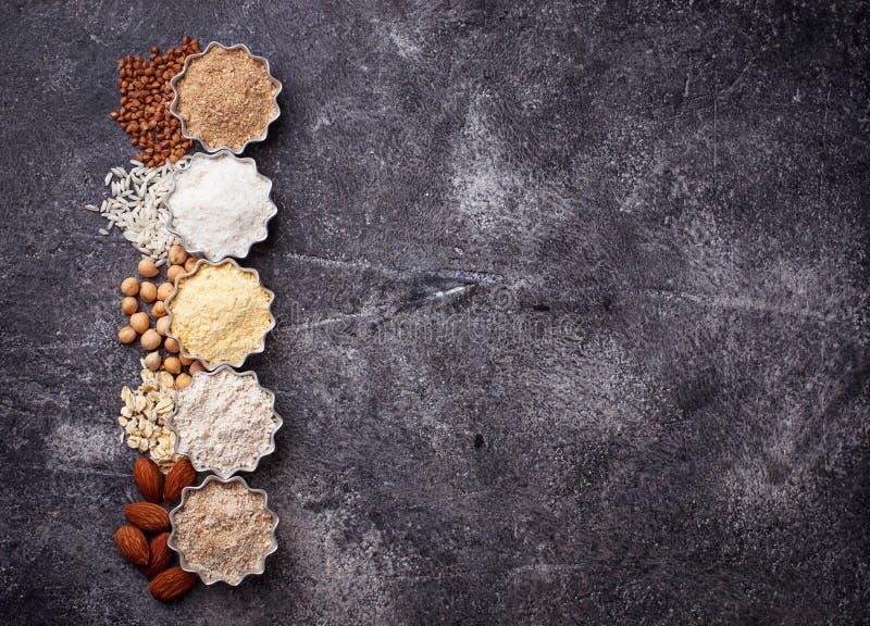 La selección de diverso gluten libera la harina imagen de archivo libre de regalías