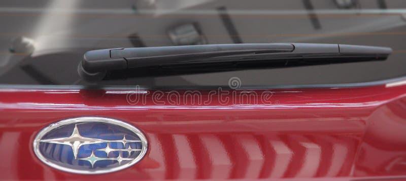 La Serbie ; Belgrade ; Le 2 avril 2017 ; Fermez-vous du windshi de dos de Subaru photo stock