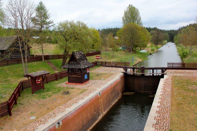 La serratura di Mikaszowka, l'undicesimo fissa il canale di Augustow in Polonia Costruito nel 1828 fotografia stock libera da diritti