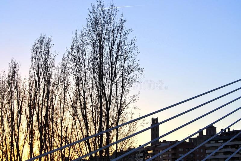 La Seu Vella de Lleida da ponte de Princep de Viana imagens de stock