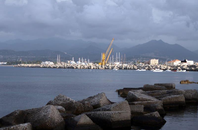 Download La Sicilia fotografia stock. Immagine di sera, nave, montagne - 7311070