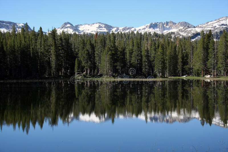 La sierra Nevada Beautiful Reflective Lake fotografie stock