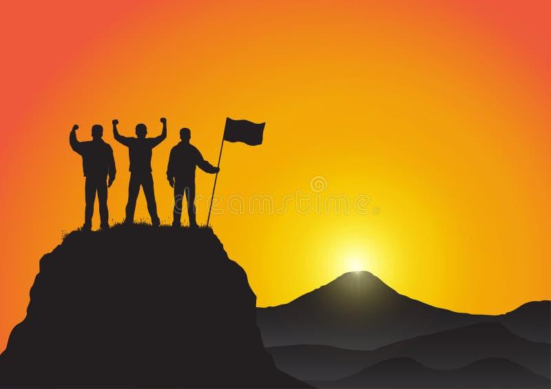 La siluetta degli uomini sopra la montagna con i pugni si è alzata su e tenendo la bandiera, successo, risultato, vittoria e conc illustrazione di stock