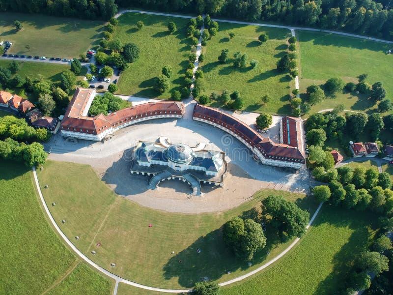 la solitudine famosa del castello a Stuttgart Germania immagini stock libere da diritti