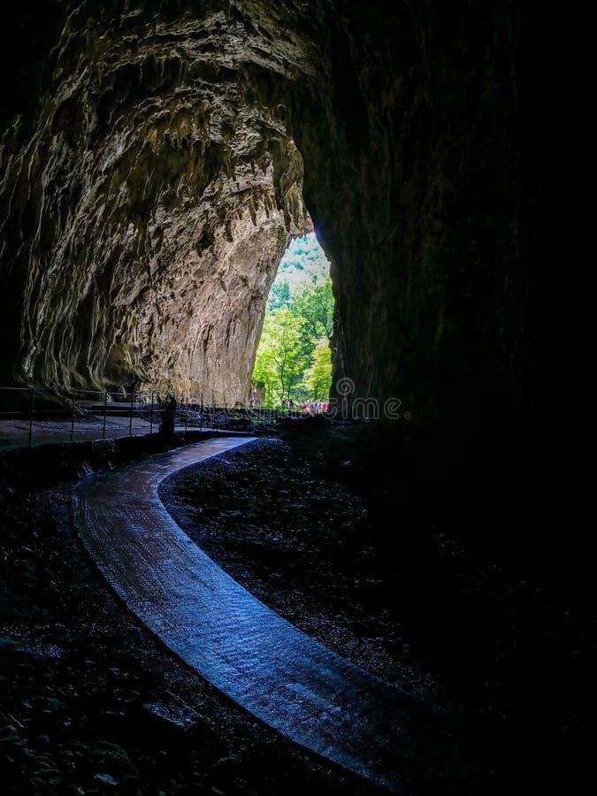 la sortie des cavernesskocjan d'Â photos stock