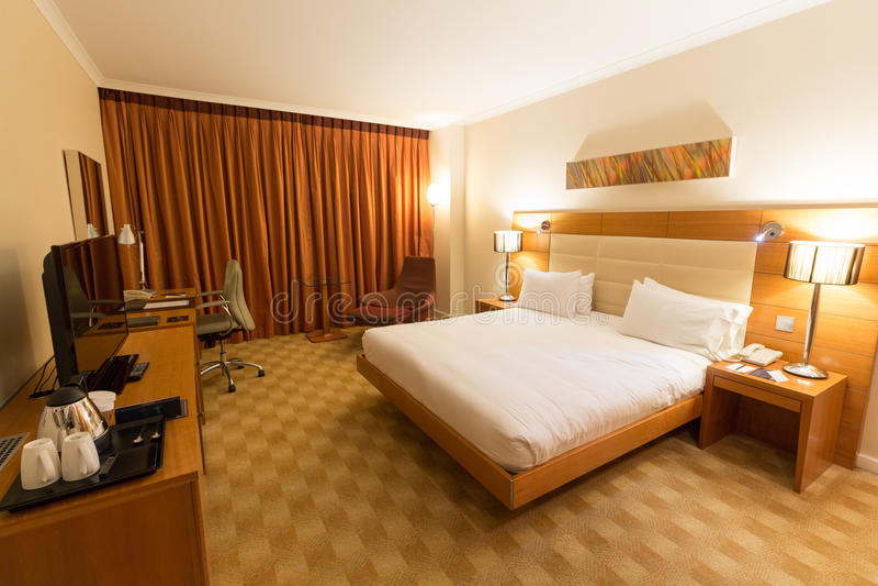 La Spagna, Barcellona - 10 febbraio 2016: Camera di albergo di Hilton Diagonal Mar Barcelona, Spagna immagine stock