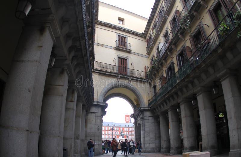 La Spagna Madrid, una del sindaco della plaza dei passaggi fotografia stock