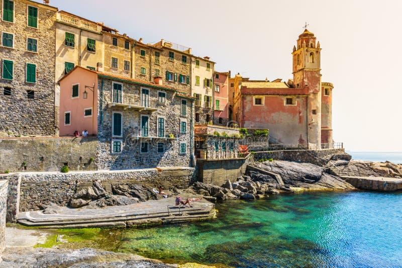 La Spezia, panoramautsikt av den härliga Tellaro byn, Italien arkivbilder