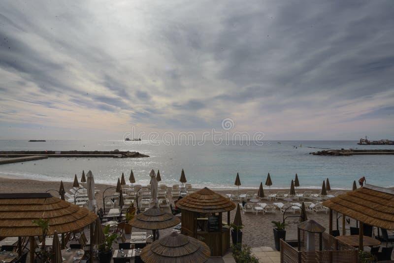 La spiaggia di Monte Carlo, Monaco fotografia stock libera da diritti