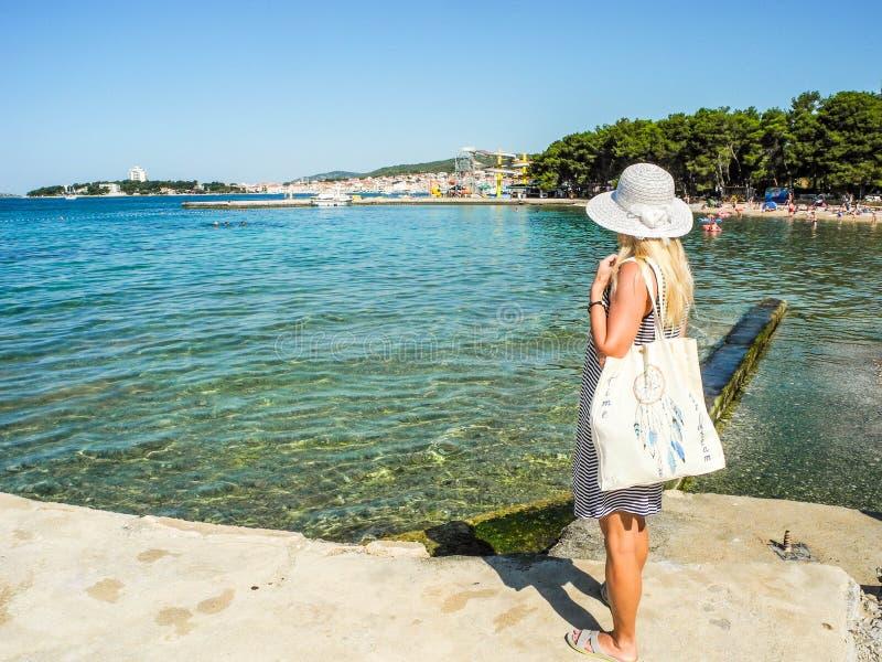 La spiaggia di Vodice, Croazia immagine stock libera da diritti