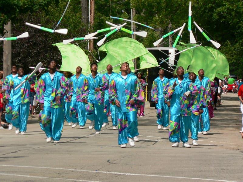 La squadra di trivello marcia nel quarto della parata di luglio fotografia stock