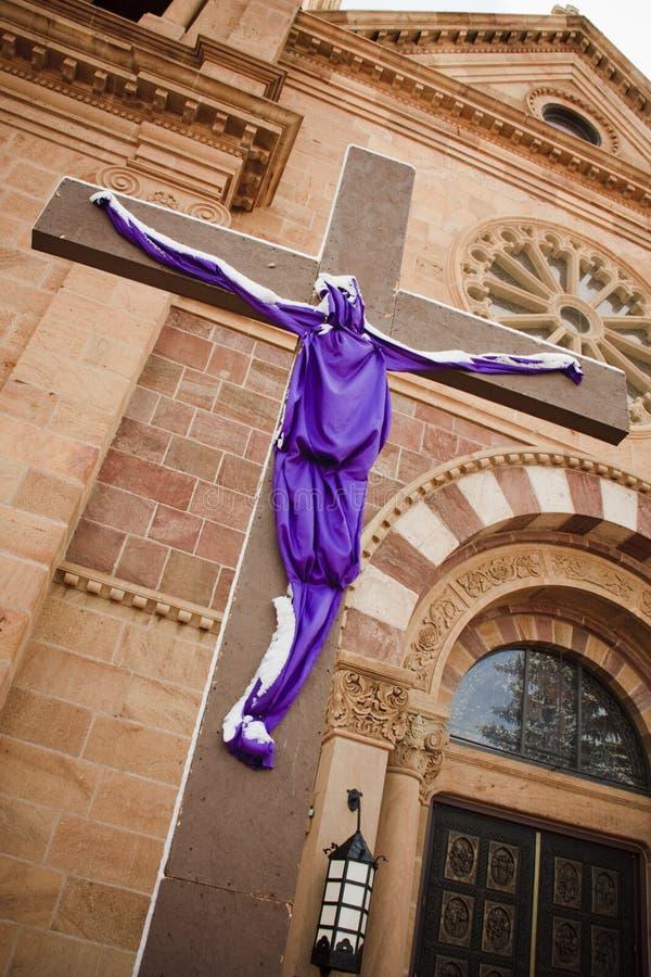 La st Francis Cathedral Santa Fe Jesus ha protetto la settimana santa trasversale immagine stock