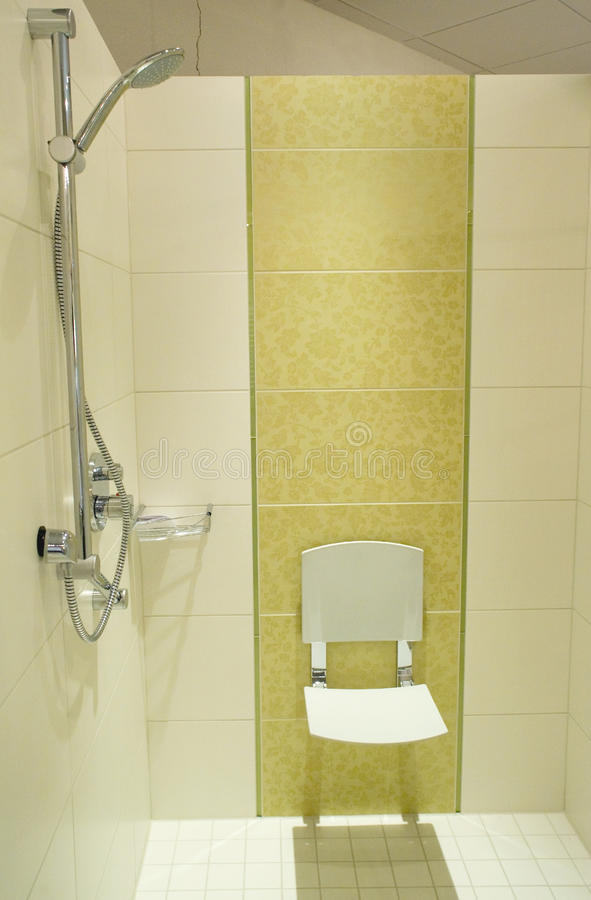 la stanza da bagno ha andicappato fotografie stock libere da diritti