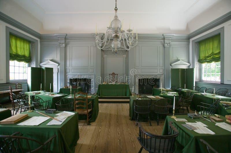 La stanza dell'Assemblea in cui la dichiarazione di indipendenza e la costituzione degli Stati Uniti sono state firmate nell'indi fotografia stock libera da diritti