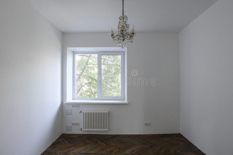 progettazione classica della stanza della cucina con l